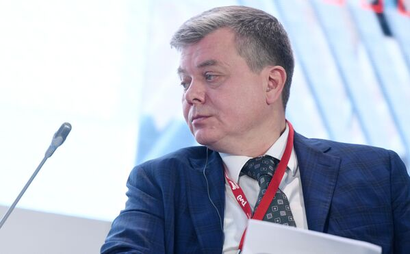 Генеральный директор АО Синара – Транспортные Машины Виктор Леш на пленарном заседании международного железнодорожного салона PRO//Движение.Экспо