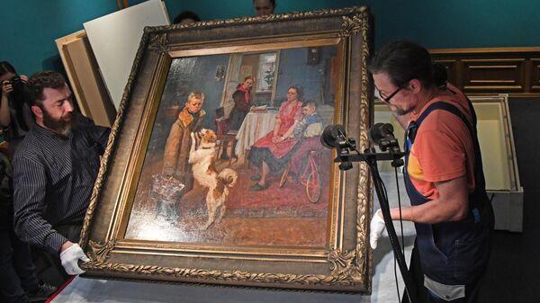 Картину Опять двойка представили в Приморье в рамках культурной программы ВЭФ