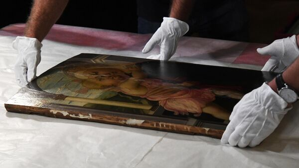 Картину Боттичелли Мадонна делла Лоджиа привезли во Владивосток