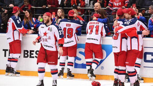 Жить спортом: последний сезон КХЛ без потолка зарплат