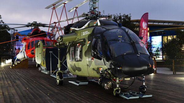 Вертолет Ка-226Т в раскраске для индийской армии, представленный компанией Вертолеты России на V Восточном экономическом форуме