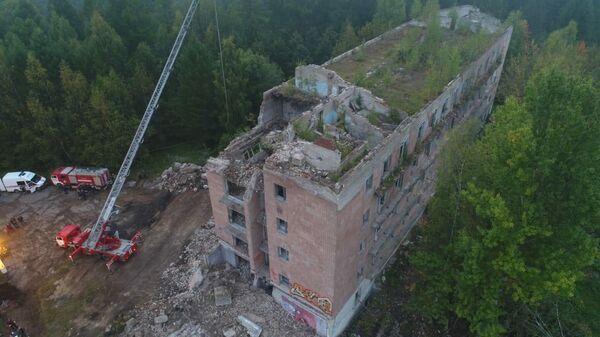 Установлено местонахождение тел рабочих под завалами дома в Подмосковье