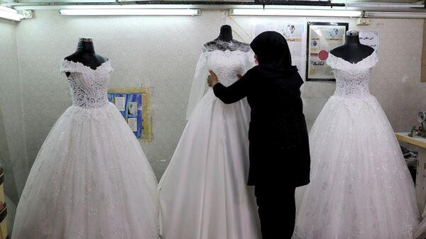 Свадебные платья в центре Тегерана, Иран