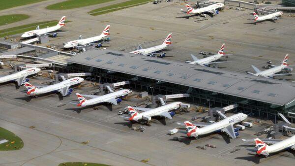 Самолеты авиакомпании British Airways в аэропорту Хитроу в Лондоне