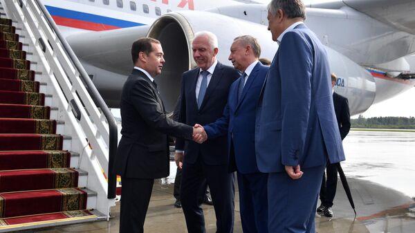 Председатель правительства РФ Дмитрий Медведев в аэропорту Санкт-Петербурга Пулково. 9 сентября 2019