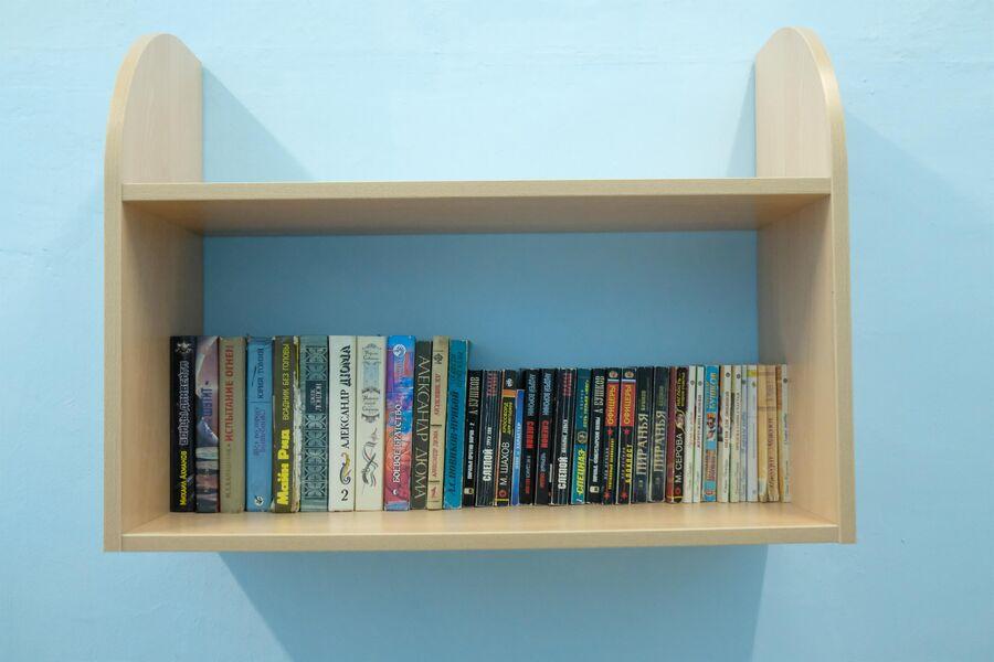 В палатах повышенной комфортности есть даже мини-библиотека
