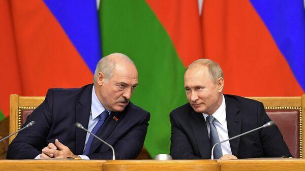 Путин и Лукашенко обсудили двусторонние отношения