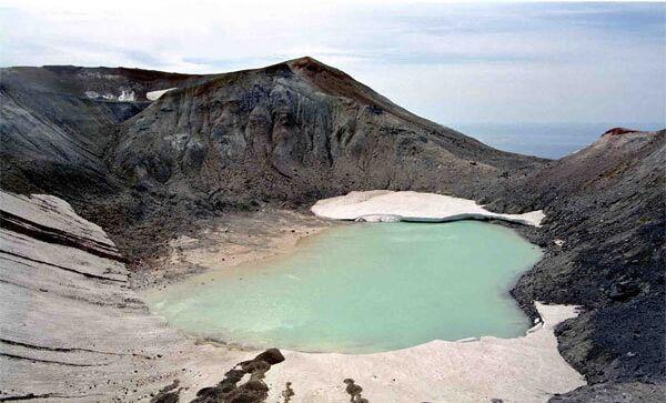Вулкан Эбеко. Архивное фото