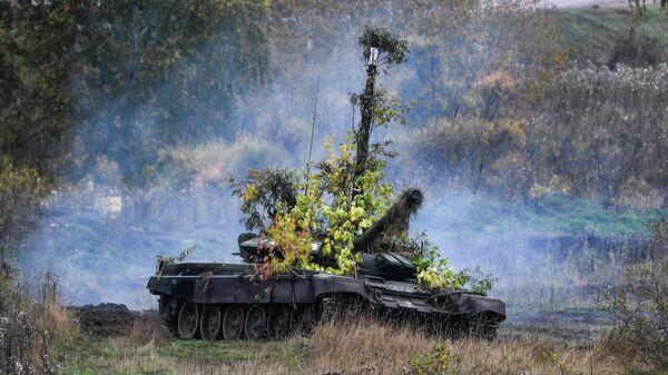 Танк Т-72 на полигоне Юргинский