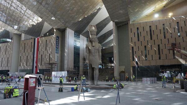 Завершение строительства Большого египетского музея у пирамид Гизы