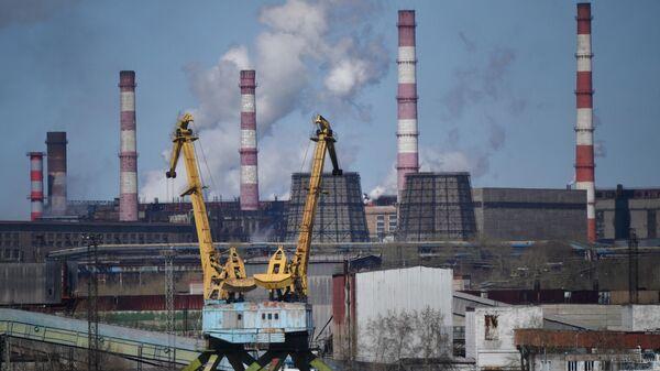 Промышленный порт Череповецкого металлургического комбината