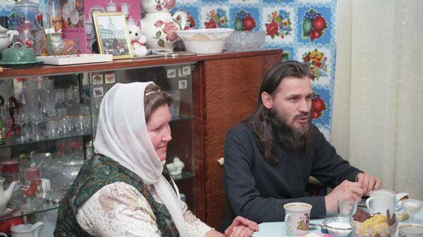 Протоиерей Николай Стремский и матушка Галина. 1 мая 1998