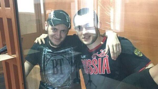 Скрипник Виктор (слева) и Стельникович Александр в зале суда