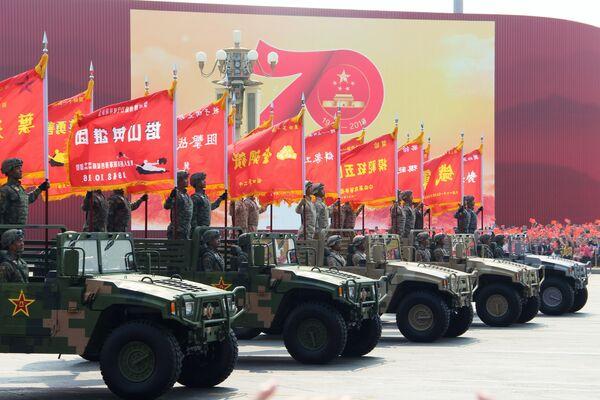 Военнослужащие КНР на военном параде, приуроченном к 70-летию образования Китая, в Пекине. 1 октября 2019