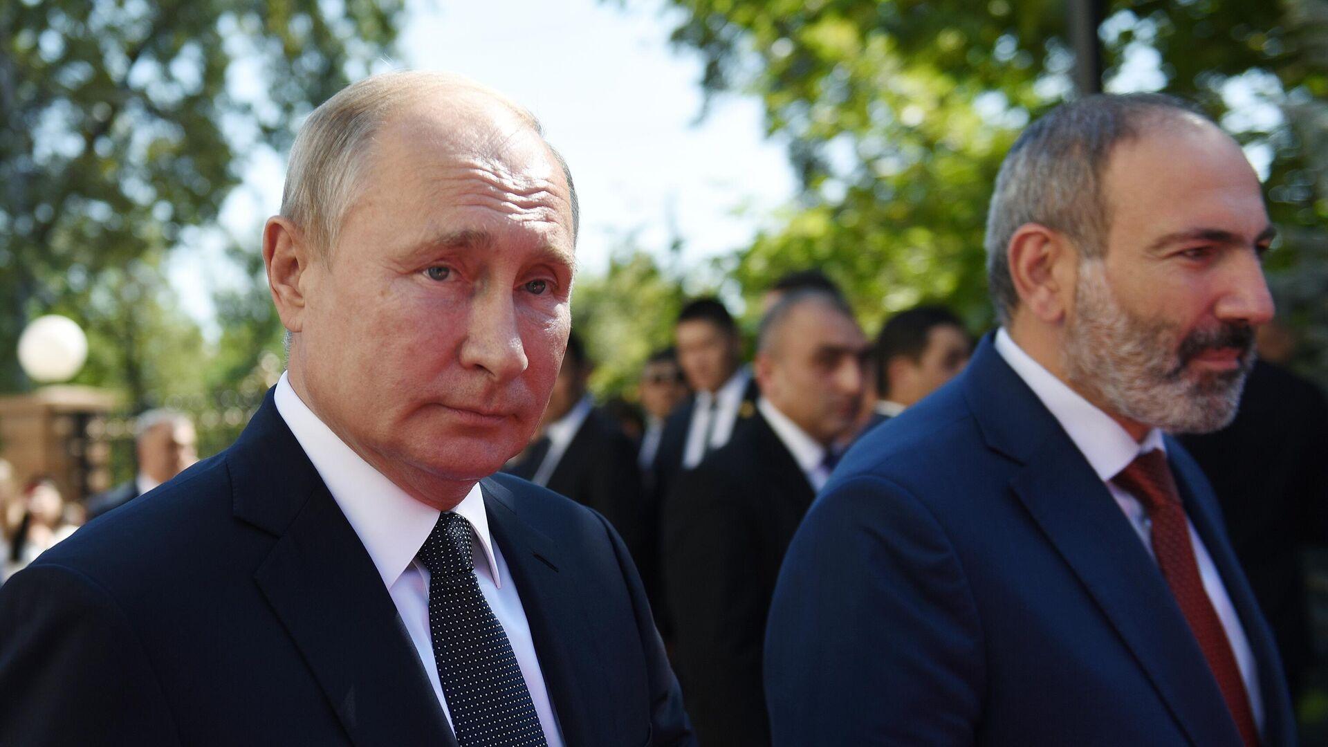 Президент России Владимир Путин и премьер-министр Армении Армении Никол Пашинян в Ереване. 1 октября 2019 - РИА Новости, 1920, 29.09.2020
