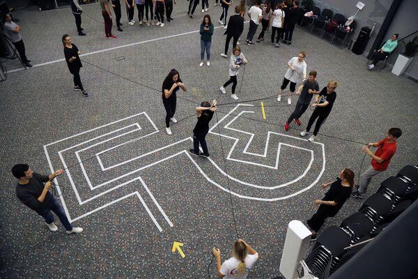 Для участников был организован спортивный марафон Театр большого спорта с различными спортивными и интеллектуальными состязаниями