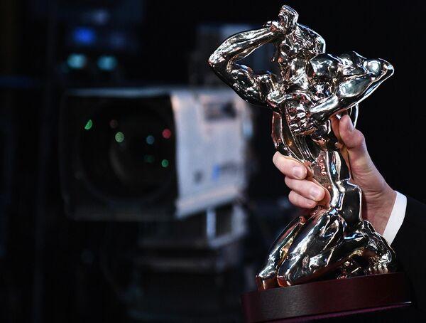 Статуэтка Орфей на торжественной церемонии вручения премии ТЭФИ-2019 в Московском театре мюзикла