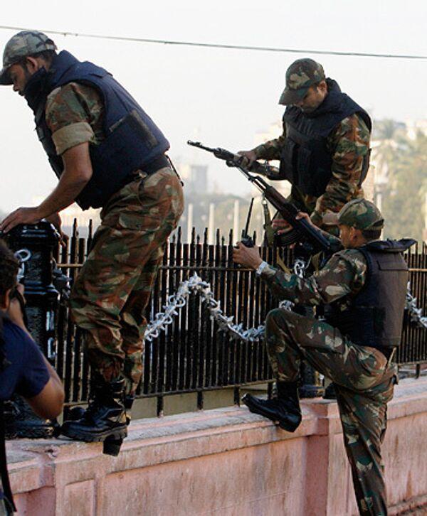 Военные на улицах Мумбаи