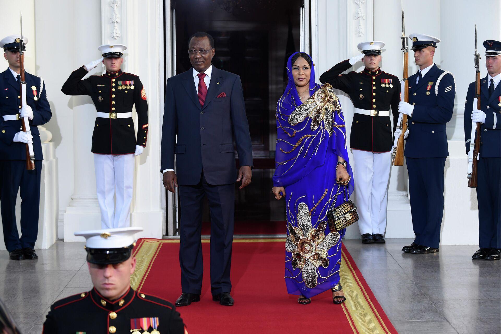 Президент Чада Идрис Деби с супругой Хиндой во время визита в США. 5 августа 2014  - РИА Новости, 1920, 20.04.2021
