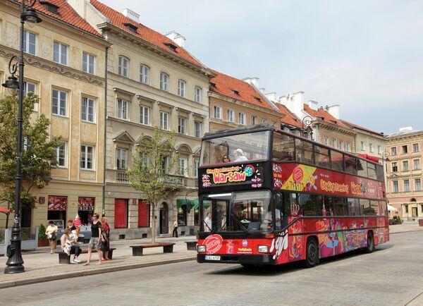 Улица Краковское Предместье в центре Варшавы