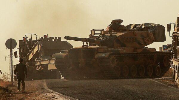 Танк турецких вооруженных сил в районе границы с Сирией