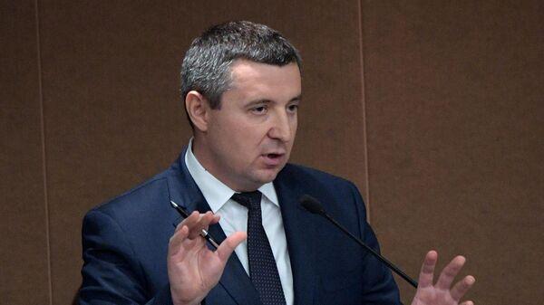 Заместитель министра труда и социальной защиты Андрей Пудов на пленарном заседании Государственной Думы РФ
