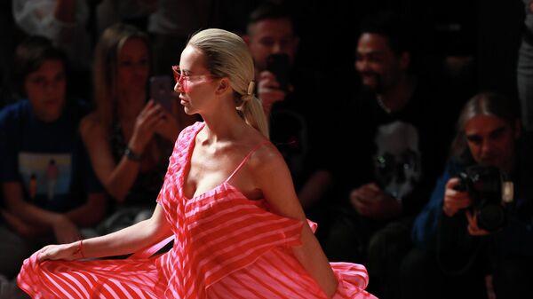 Mercedes-Benz Fashion Week. Показ Julia Dalakian