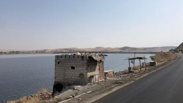 Западный берег реки Евфрат близ моста Каракузат