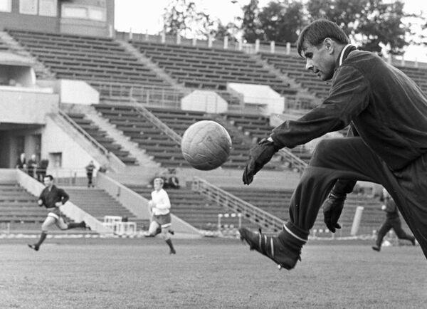 Магический шар. История футбольного мяча