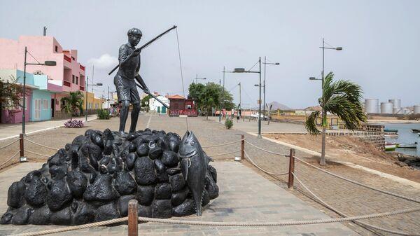 Скульптурная композиция на острове Сал архипелага Кабо-Верде