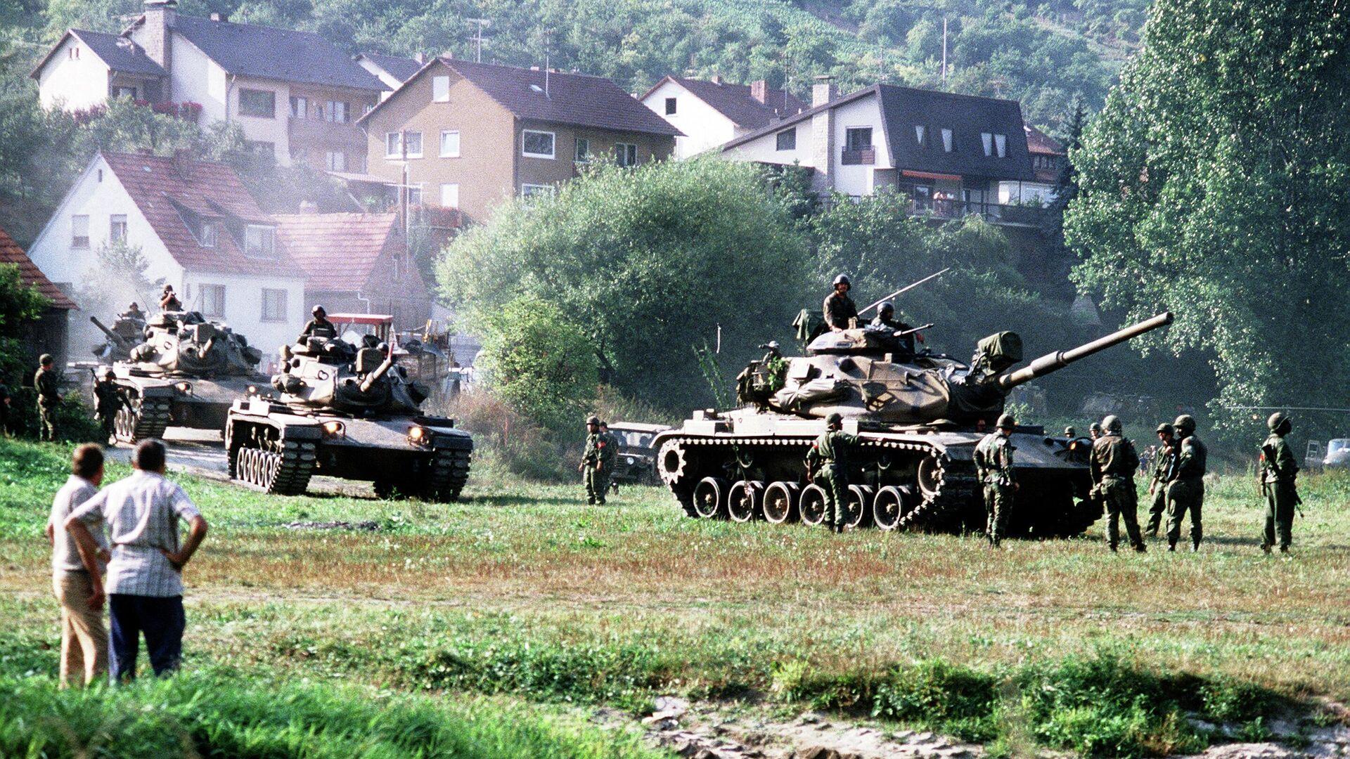 Американские танки во время учений REFORGER '82 в Западной Германии - РИА Новости, 1920, 14.05.2020