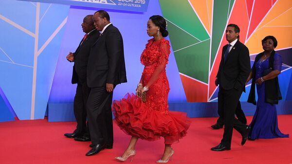 Участники церемонии официальной встречи глав государств и правительств государств-участников саммита Россия - Африка