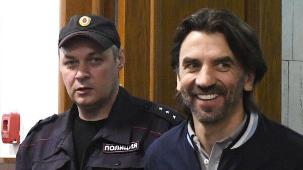 Бывший министр РФ по связям с Открытым правительством Михаил Абызов в Басманном суде Москвы