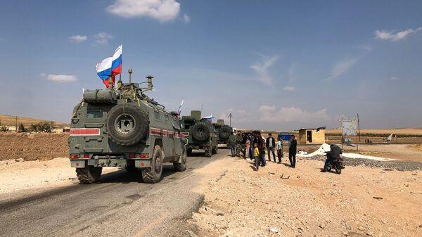 Патруль военной полиции РФ в районе Кобани на сирийско-турецкой границе