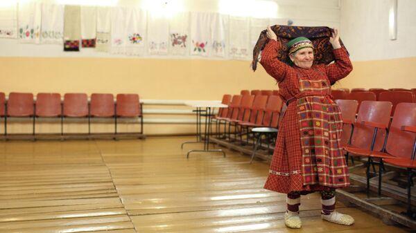Участница фольклорного коллектива Бурановские бабушки Наталья Пугачева