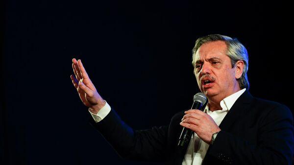 Альберто Фернандес обращается к сторонникам в конце дня выборов в Буэнос-Айресе, Аргентина. 27 октября 2019
