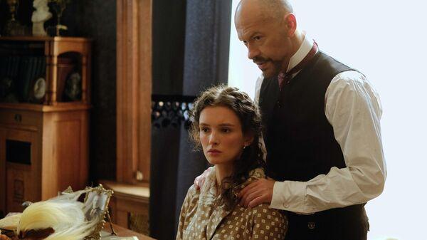 Кадр из фильма Ленин. Неизбежность