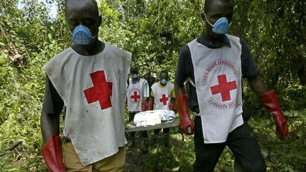 Спасатели организации Красный крест в Камеруне