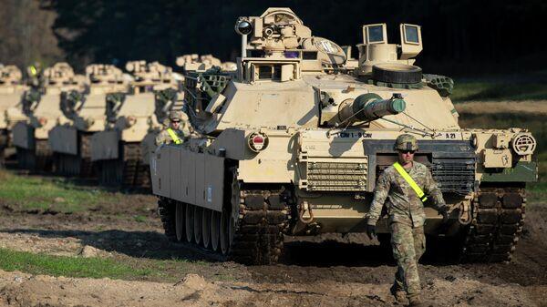 Американские танки Абрамс в городе Пабраде, Литва. 21 октября 2019