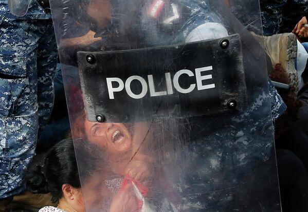 Задержание участников акци протеста в Бейруте, Ливан