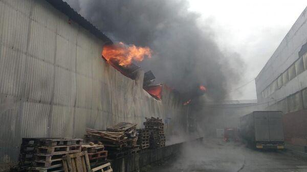 Пожар складе с древесиной в городском округе Чехов, Московская область. 1 ноября 2019