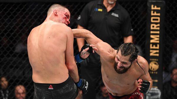 Бойцы UFC Нейт Диас (слева) и Хорхе Масвидаль