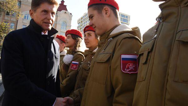 Губернатор Приморского края Олег Кожемяко на митинге-концерте в рамках празднования Дня народного единства во Владивостоке