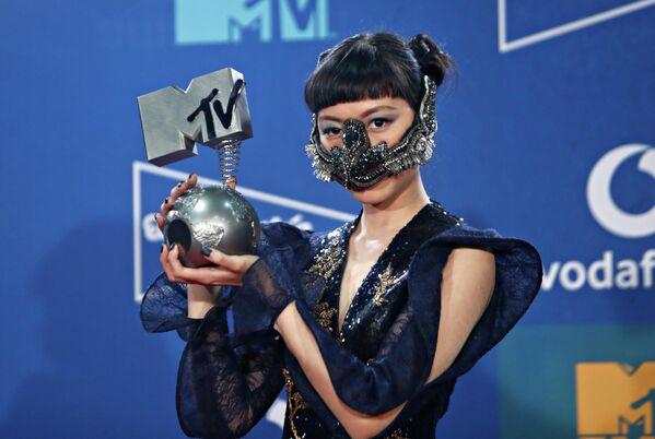 Певица Жасмин Сокко на церемонии награждения MTV Europe Music Awards