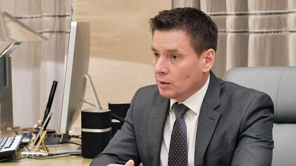 Генеральный директор АО Российский экспортный центр Андрей Слепнев во время встречи с председателем правительства РФ Дмитрием Медведевым. 5 ноября 2019