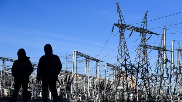 Открытые распределительные устройства Новосибирской ГЭС