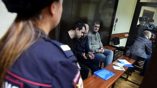 Участники движения Новое величие на заседании Люблинского районного суда города Москвы