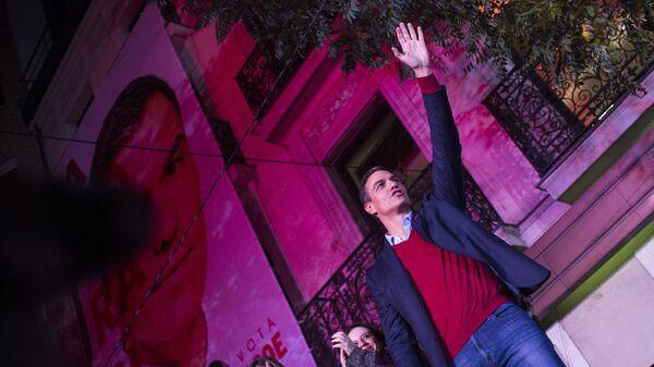 Исполняющий обязанности премьера страны Педро Санчес