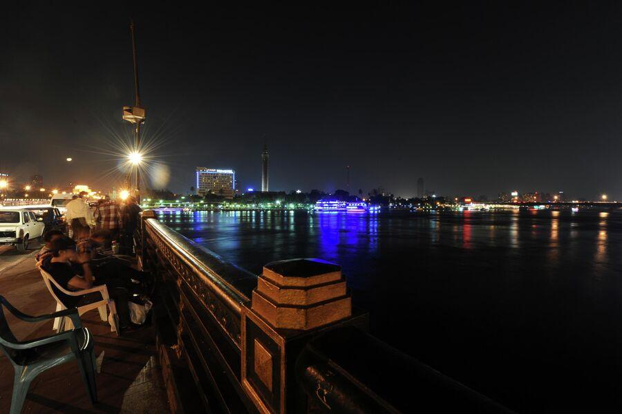 Ночной Каир, вид на реку Нил