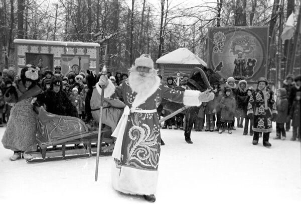 Дед Мороз на празднике Нового года